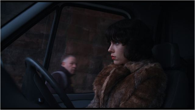 daily-movies.ch_Under The Skin (5)