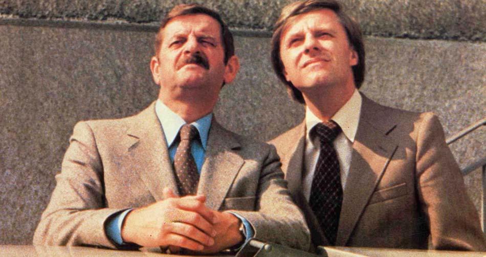 Avec: Walo Lüönd (Bodmer), Emil Steinberger (Fischer) dans le film Les faiseurs de Suisses, De Rolf Lyssy (Suisse, 1979)