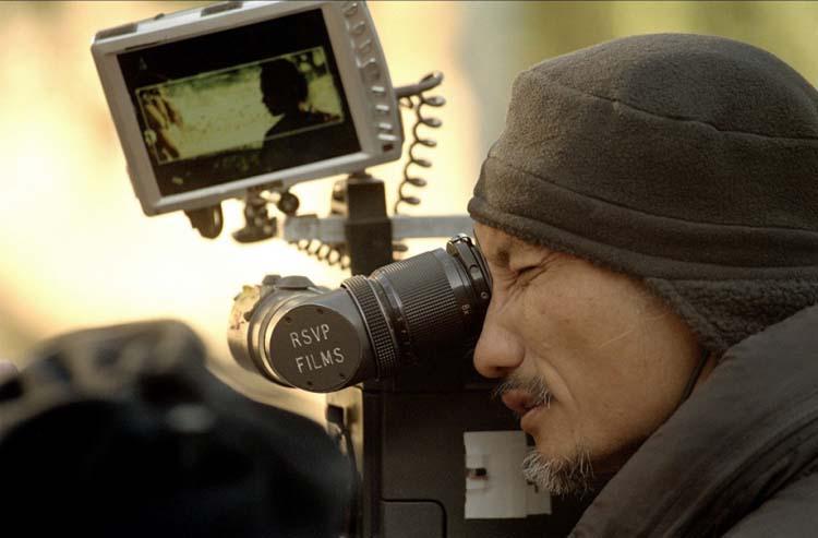 Tsui Hark sur le tournage de Seven Swords
