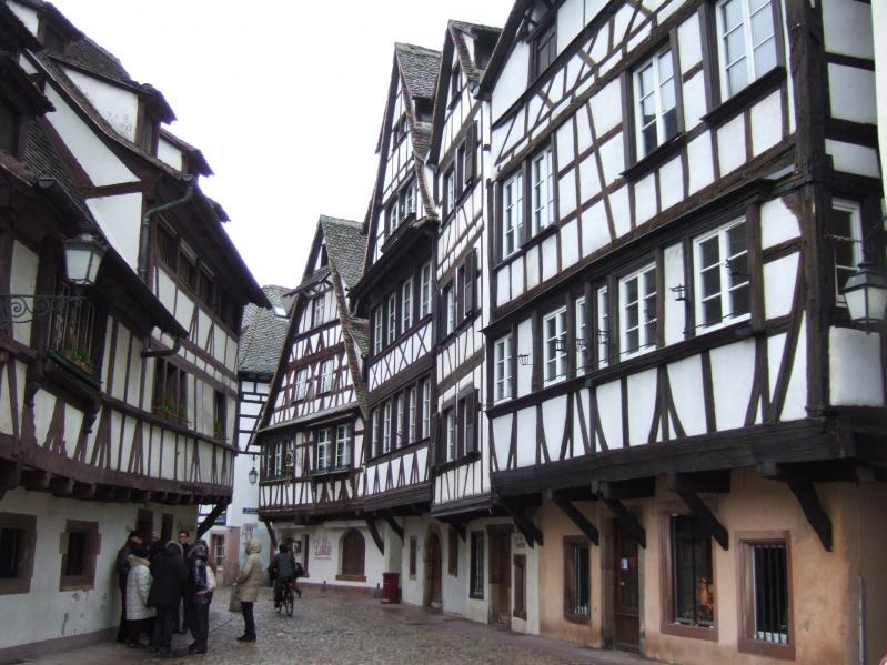 daily-movies.ch_Strasbourg  Visite de son vieux quartier (3)